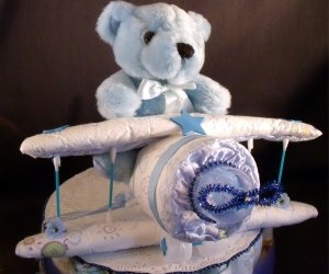 airplaine diaper cake